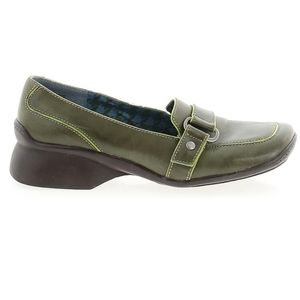 Clarks Green Leather Slip On Shoes Size 6